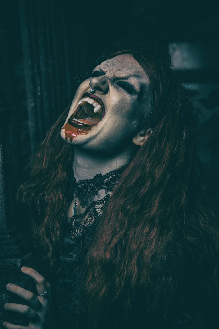 Hire scary vampire Halloween entertainment. The UK's most terrifying Halloween acts