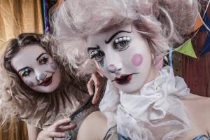 Clown circus walkabout