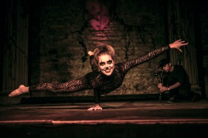 contortionist for hire in the uk