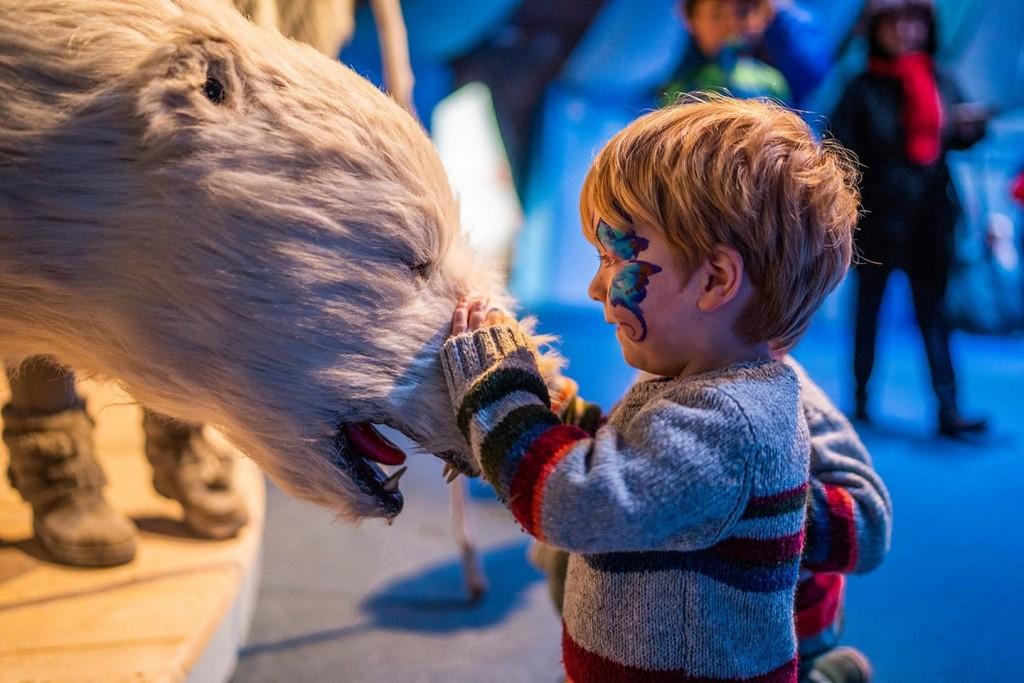animatronic Polar bear hire UK
