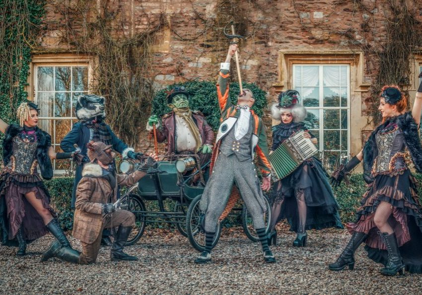 Wind in the Willows themed entertainment.. With a twist! Unusual roaming cabaret entertainment.