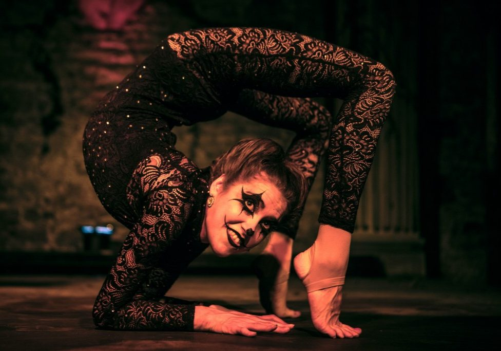 Contortionist for hire uk